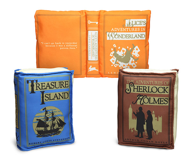 olde book pillow classics by thinkgeek 2