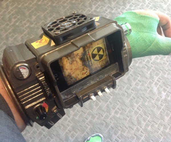 3D Printed Pip-Boy 3000 Keeps Man Literally and Figuratively Cool