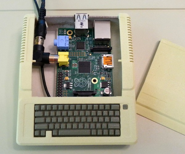 Raspberry Pi Gets Apple II Case: Apple Pi