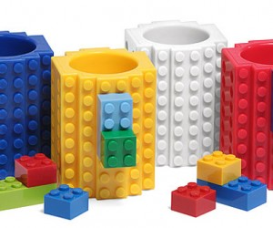 Build-on Brick Shot Glasses: LEGO My Drink!