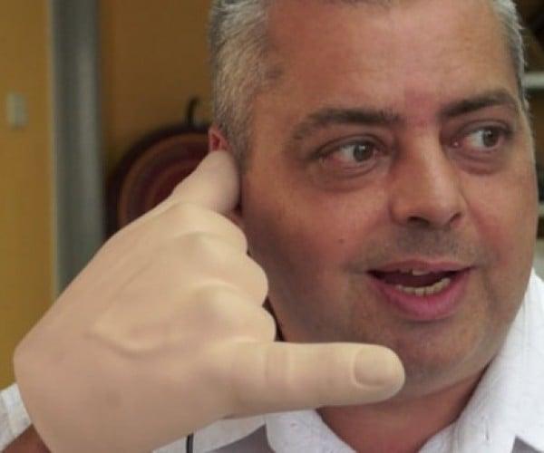 Handiheadset: Talk to the Hand
