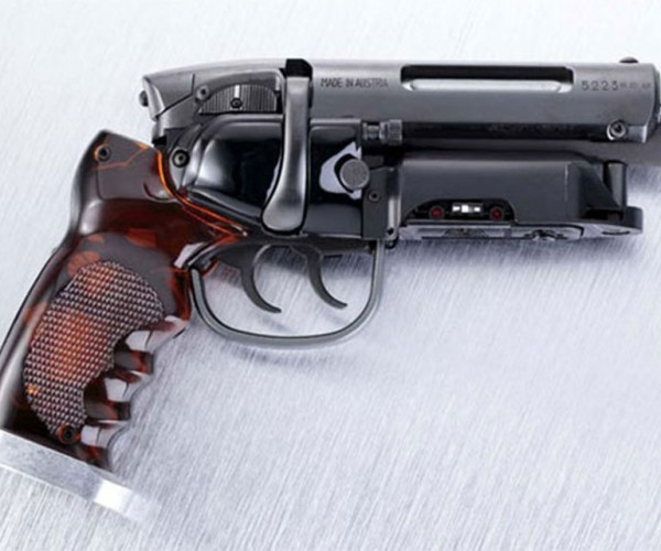 Blade Runner Blaster Pro Replica Blasts Wallets