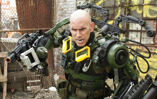 edge-of-tomorrow-exo-suit-cosplay-by-peter-kokis-2