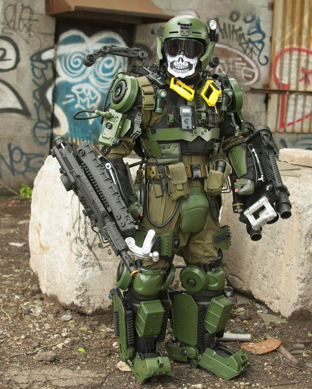 edge of tomorrow exo suit cosplay by peter kokis 3 620x774