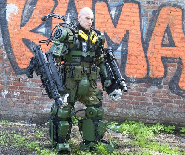 edge of tomorrow exo suit cosplay by peter kokis 6 620x520