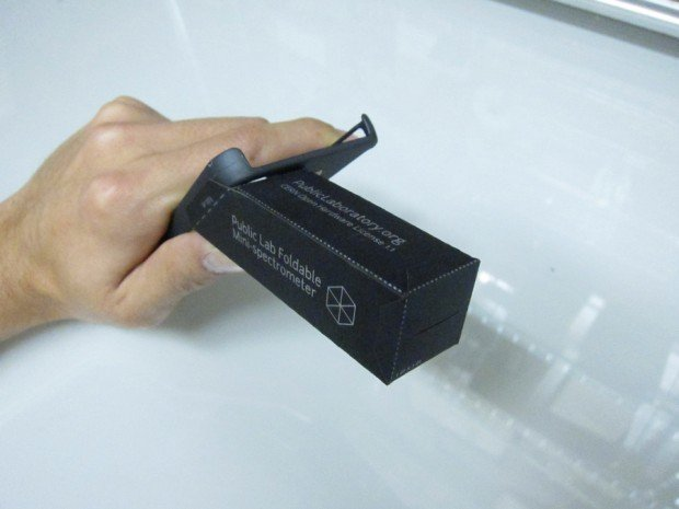 foldable mini spectrometer by public lab 3 620x465