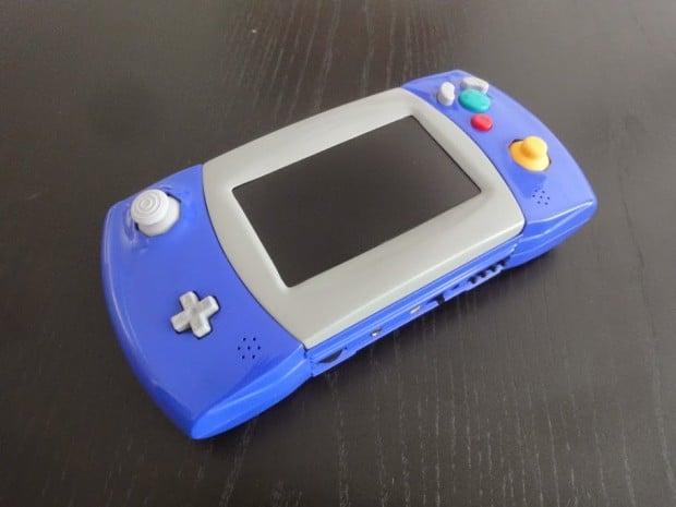gamecube portable atari lynx casemod by akira 3 620x465