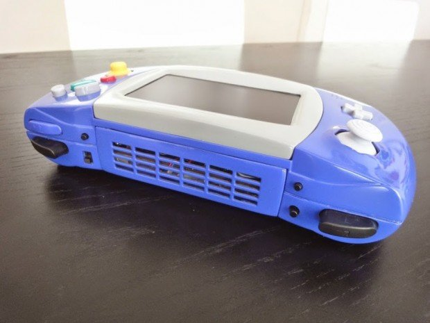 gamecube portable atari lynx casemod by akira 4 620x465