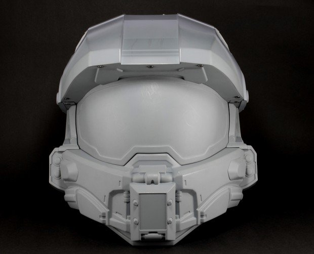 halo master chief motorcycle helmet by neca 2 620x502