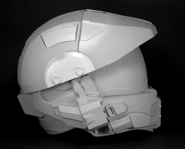 halo master chief motorcycle helmet by neca 4 620x502