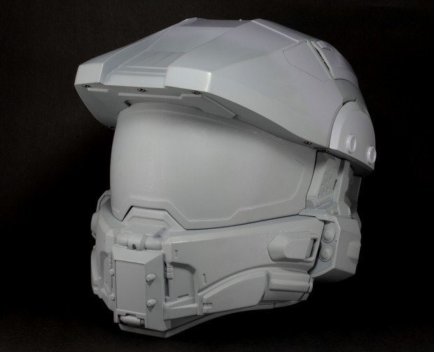 halo master chief motorcycle helmet by neca 620x503