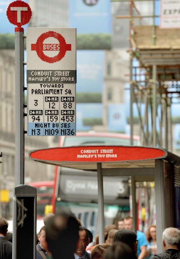 lego bus stop3 620x895