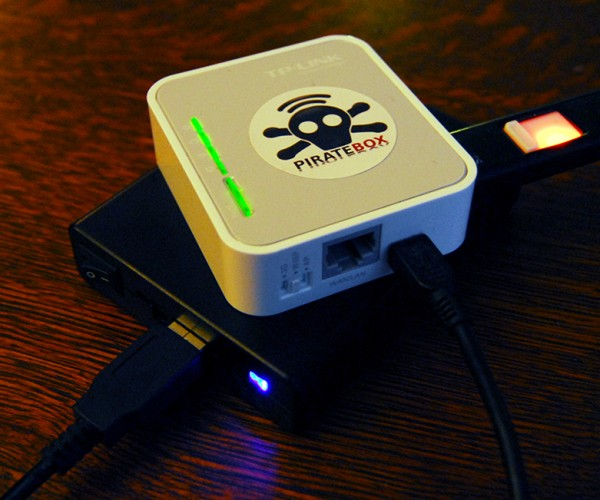 PirateBox Lets You Share Files & Communicate Anonymously: Net in a Box