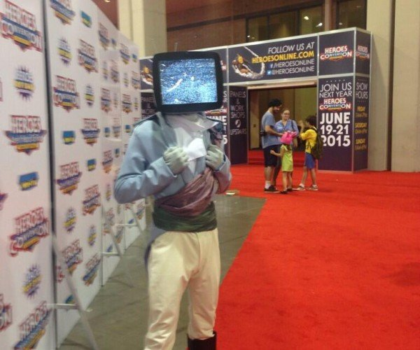 Saga Prince Robot IV Cosplay has Working TV: Are You Sure It's a Costume?