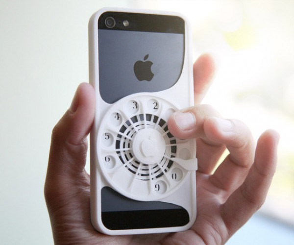 3D Printed Case Turns iPhones into Rotary Dial Phones