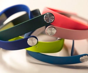 Sony SmartBand SWR10 Review: Pricey But Works Well
