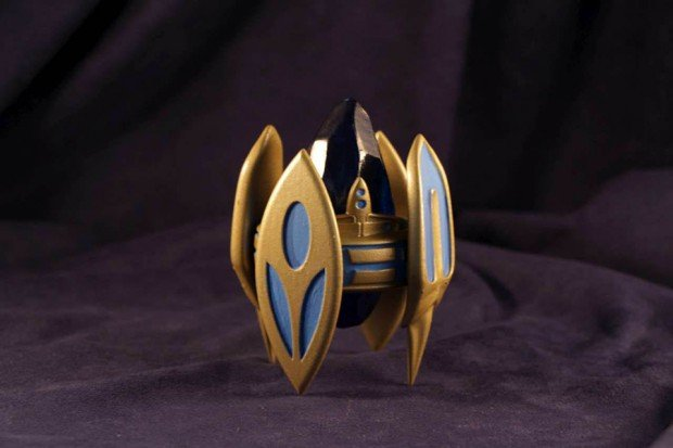 starcraft ii pylon figurine by geekify inc 620x413