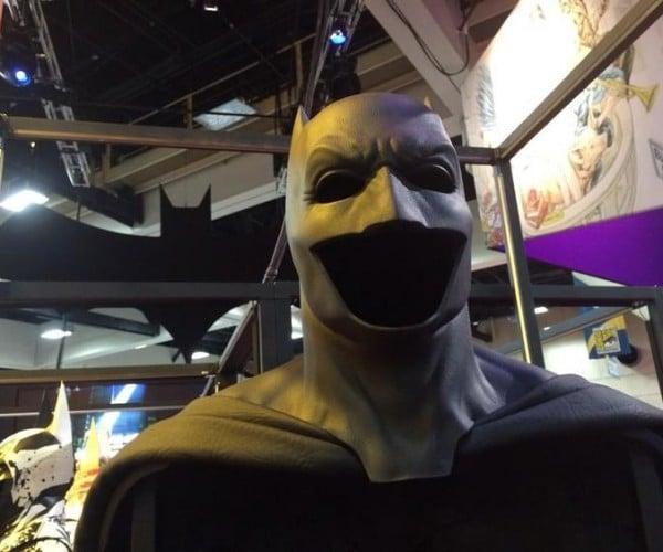 Batfleck's Cape and Cowl Shown at Comic-Con