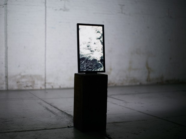 electric-objects-eo1-digital-picture-frame-3