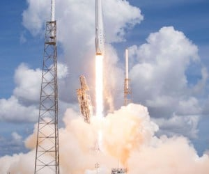 SpaceX Soft Landing Test Goes off Without a Hitch