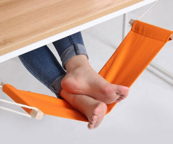 Fuut Desk Foot Rest: A Hammock for Your Feet