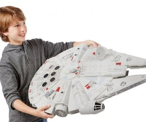 New Millennium Falcon Toy Is Gigantic