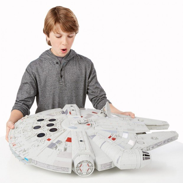 huge_millennium_falcon_toy_3
