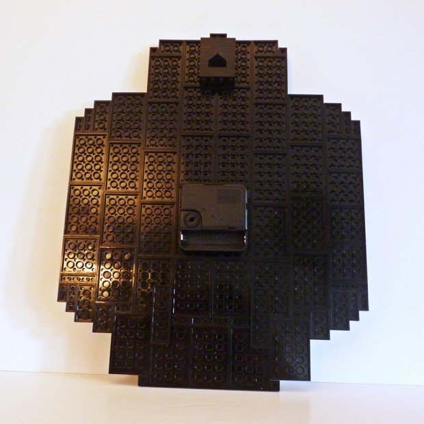 lego minifig head clock by make it brick it 3 620x620