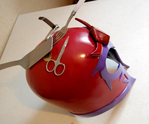 Magnetic Magneto Helmet Is Highly Attractive