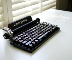 Qwerkywriter Mechanical USB Keyboard Looks Like an Old Typewriter