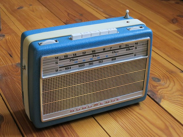 raspberry-pi-vintage-internet-radio-by-mxmln23