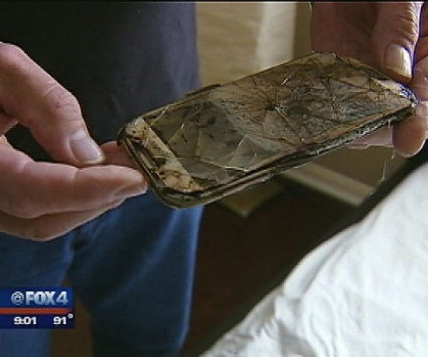 Samsung Galaxy S4 Catches Fire While Teen Sleeps