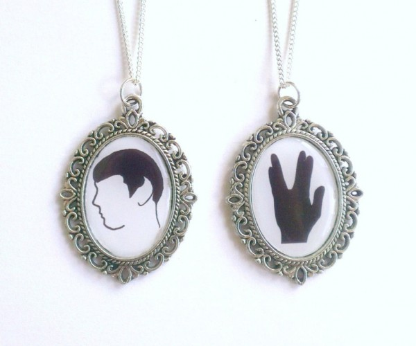 Star Trek Spock Cameo Necklace: Live Long and Locket