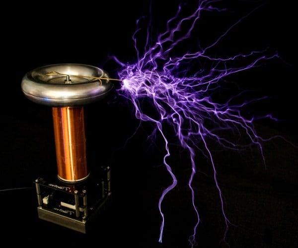 tinyTesla Desktop Musical Tesla Coil: Electric Cutie