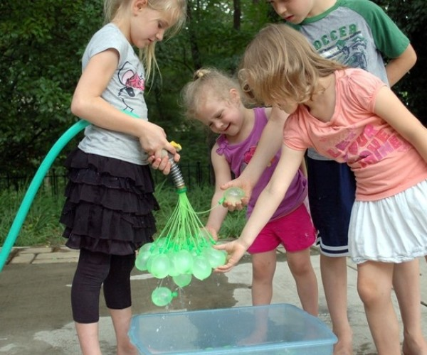 Bunch O Baloons Fills 100 Water Balloons a Minute
