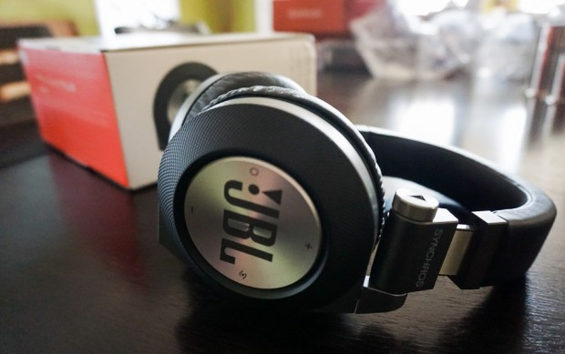 JBL_Synchros_E50BT_Headphones_1