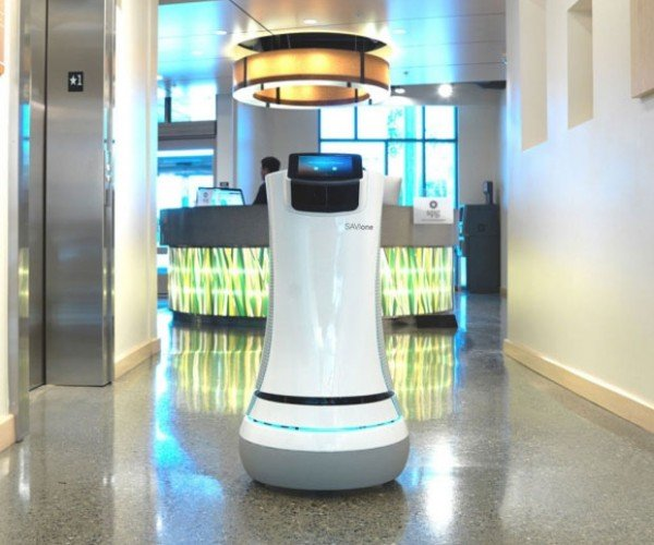 "Savioke ""Botlr"" Robot Butler Goes into Service at California Hotel"
