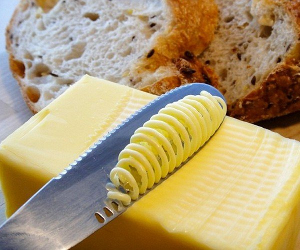 Butterup Knife Spreads Cold Butter Easily