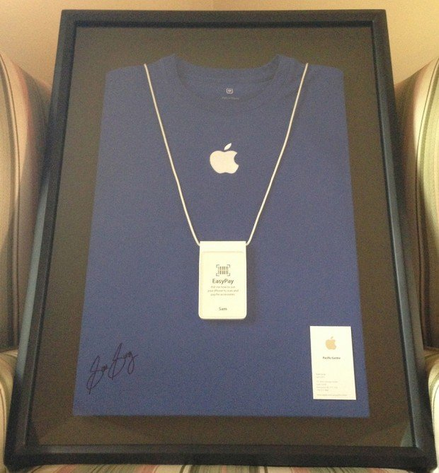 former-apple-specialist-sam-sung-charity-auction-2
