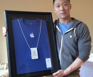Former Apple Employee Sam Sung Auctioning His Office Gear for Charity