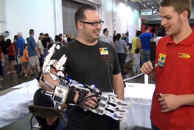 lego mindstorms robotic hand and arm by diavo voltaggio 620x415