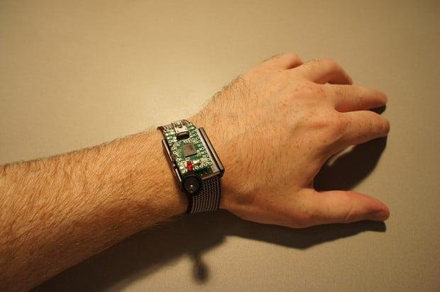 mosquito-alert-wristband-device-by-royal-botanic-gardens-kew