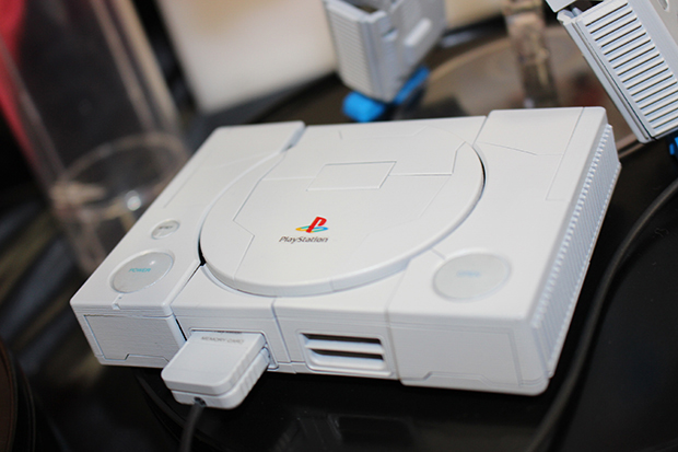 playstation-1-optimus-prime-by-takara-tomy-4
