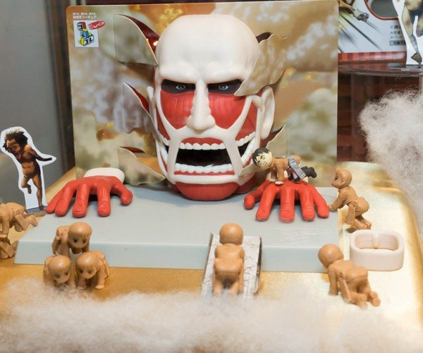 Tsumikore EVO! Attack on Titan Playset: Fun for the Whole Gigantic, Skinless & Man-eating Family!