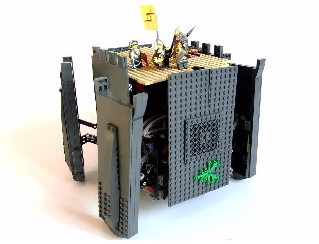 walking lego castle robot