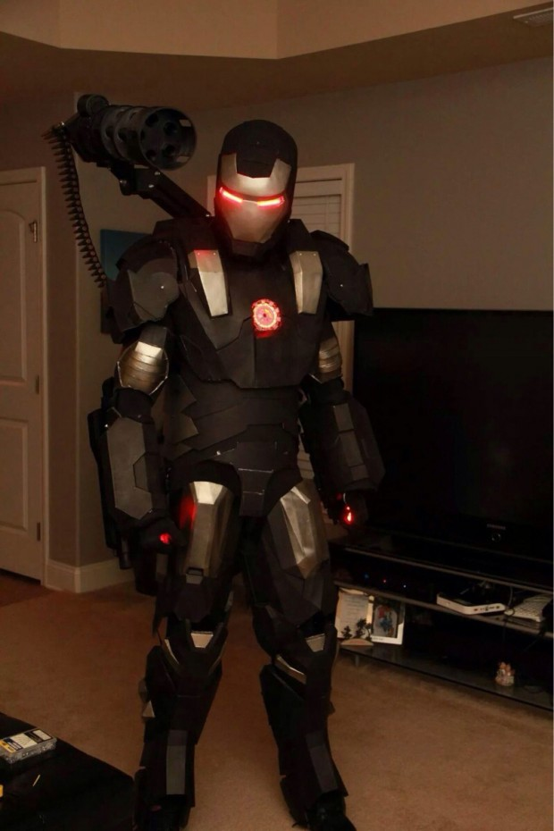 war-machine-cosplay-by-transcoder