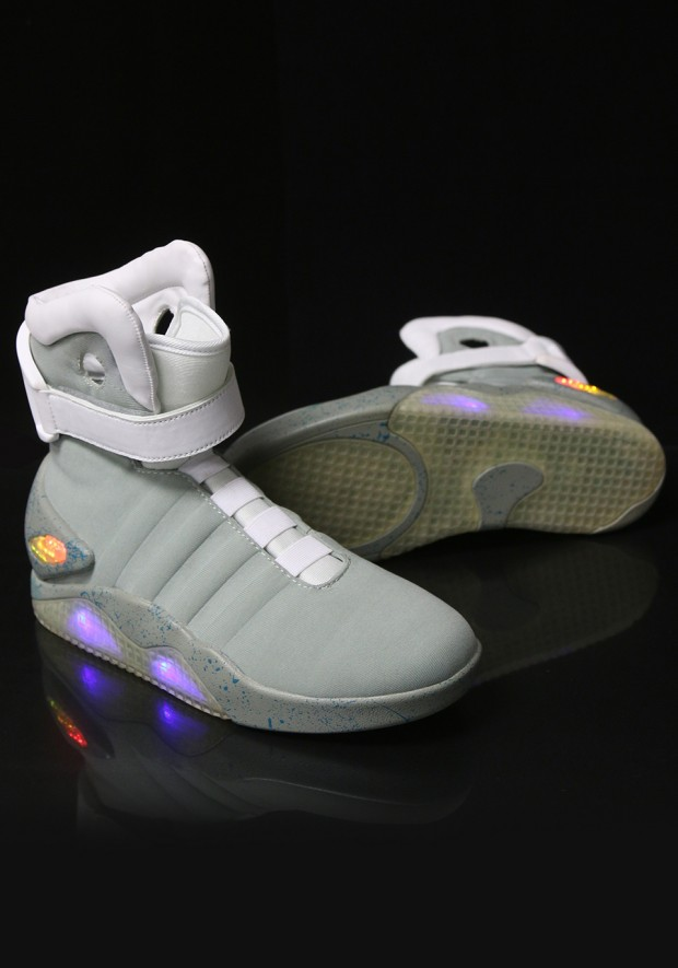 back-to-the-future-nike-mag-replicas-by-halloween-costumes-2