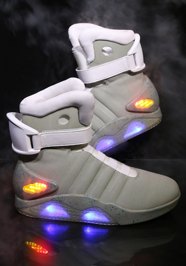 back-to-the-future-nike-mag-replicas-by-halloween-costumes-5