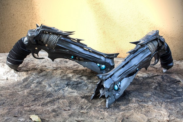 destiny-thorn-replica-by-eric-newgard-ImpactPropsCA-5