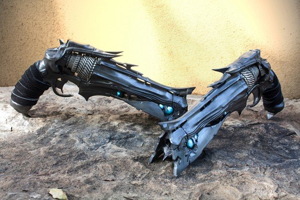 destiny-thorn-replica-by-eric-newgard-ImpactPropsCA-5